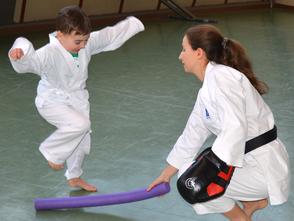 Karate als Kampfkunst für Kindergartengruppe