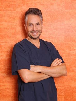 Markus Belt M.Sc., Master of Science Implantologie, Zahnarzt in Griesheim, Implantate, Ästhetische Zahnheilkunde, Cerec, Prophylaxe, Laserbehandlung, Lachgas, Vollnarkose