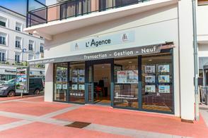 L'agence immobilière de IMMOBILIER-NEUF-ROYAN.COM à ROYAN place Charles De Gaulle