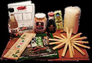 SEIYA SAN Sushi Set Kit Box zum selbermachen inkl. Rezept für Anfänger. Do it yourself Sushi Box. Inhalt: Reisessig, Ingwer, Sojasauce, Noriblätter, Algenblätter, Wasabipaste, Sushireis, Bambus Rollmatte, Stäbchen, Rezept STARTER.
