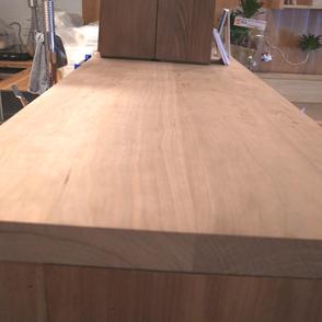 無垢の木空間。広葉樹。大阪府吹田市の木の家ならWASH建築設計室。
