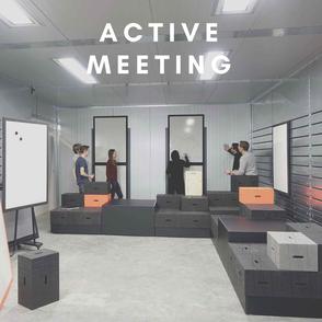Aktiver Besprechungsraum aus höhenverstellbarer Besprechungstisch & xBricks Konzept