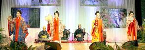 沖縄ナイトin大阪で伝統芸能が披露された