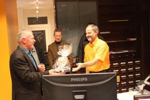 Eine kleine Überraschung als Dank für Klemens Dudli, den Inhaber des Architekturbüros