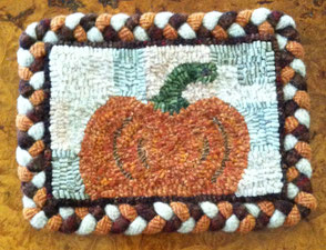 Pumpkin with braided border