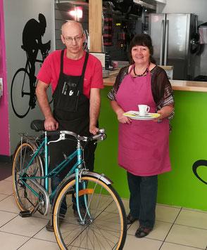 Photo Vélo Bar - réparation vélo et café bio - Daniel et Louise