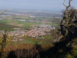 Blick hinab auf Bissingen/Teck, von der Schwäbischen Alb gesehen.