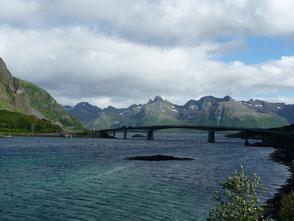 Brücke nach Grimsoy
