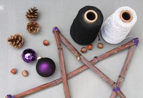 Sternengerüst, Zapfen, violette Kugeln und Faden