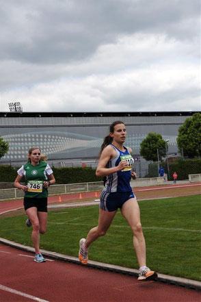 HLV Langstrecke  Frauen  ganz überlegen  Christina Walloch TV W.  gegen Anna Starostzik über 10 000m