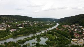 Blick vom Burggelände auf das Altmühltal, Riedenburg