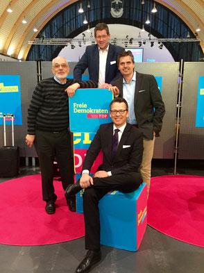 Auf dem Foto: von links: Holger Ellerbrock MdL, Dietmar Brockes MdL, Andreas Terhaag MdL, Otto Fricke (sitzend)