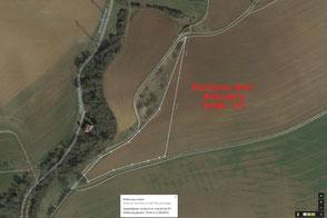 auf diesem Luftbild ist noch die Ackerfläche zu sehen