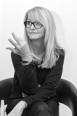 """Pia Stein - Autorin von """"Intuition - der Weg aus den Schattenjahren"""" und """"Drei Generationen auf dem Jakobsweg"""""""