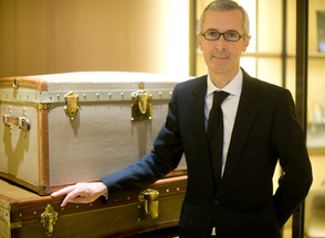 Guillaume Davin,  brilliant collaborator of Bernard Arnault for many years, at Christian Dior and vice president of  Louis Vuitton  Japan . Expert in the Japanese market, becomes the Chairman and CEO of Moynat thanks to the confidence of Mr.  Arnault  to