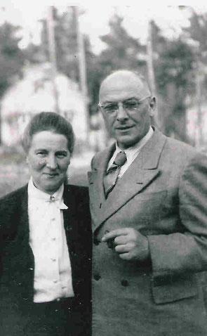 Emil Otto Gotthardt Barchfeld mit Ehefrau - Quelle Nancy Barchfeld