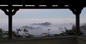 Lanterswilen vom Wolfsberg aus - da versteht man, dass von Gryffenberg dem Nebel entschwinden wollte...
