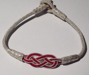 INFINITy rot kommt von Herzen. (Fein-)Silberarmband in spezieller Kazaaz-Silberdraht-Technik. i-must-have.it