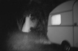 jeromedevismes. un ange passe devant une caravane en Corse
