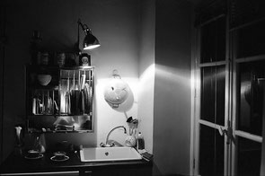 jeromedevismes. cuisine, lumière intérieure de nuit