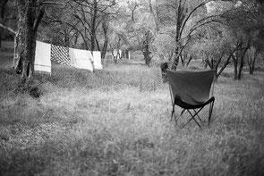 jeromedevismes. au printemps à Vico sur le terrain de camping de la Sposata un siège et du linge
