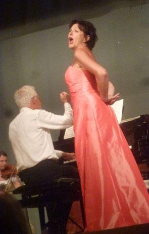 Timm Tzschaschel mit Sopranistin Elisabeth Artmeier