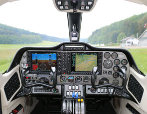 Cockpit Tecnam P2006T
