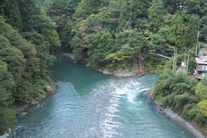 水量が増した氷川渓谷