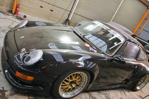911GT2レーシングの磨き前