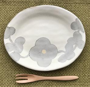 JRゲートタワーで購入した陶器のお皿