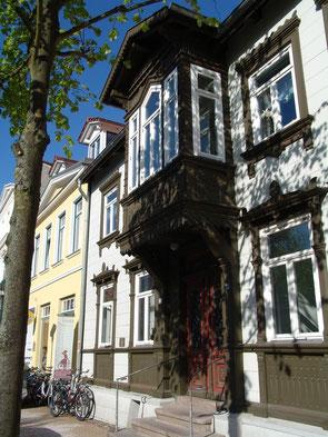 Historische Fassade in der August-Bebel-Straße 31