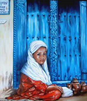 Indisches Mädchen vor der Tür