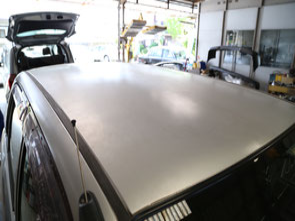 車 屋根 修理