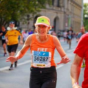 Dankzij hardloopbegeleiding door LetsGoRunning een debuut op de marathon onder de 3 uur.