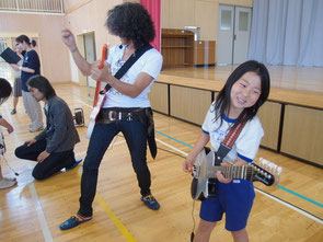 みんなソーラーギタリストに