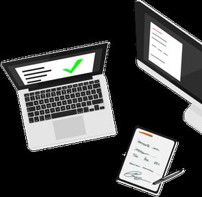 Laptop, Computer und Klemmbrett mit digitalem Stift