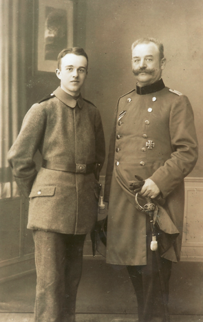 Erwin Bowien with his father Erich Bowien, 1917