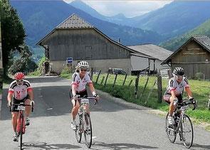 """Les participants(tes) au """"Tour du Chatelard"""": où est l'intrus ??!"""