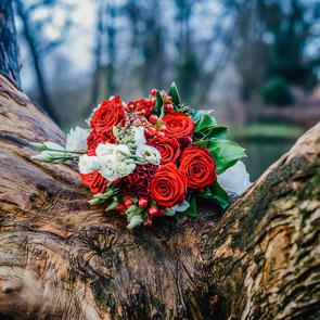 Brautstrauß und Eheringe Hochzeitsfotograf Uelzen FOTOFECHNER
