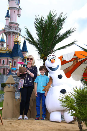 Olaf Disneyland Paris Disney Frozen Anne Marie Scanlon