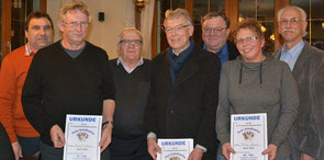 Turniersieger und Gratulanten (v.li.): Marktrat Konrad Sedlmayr, Ernst Loos, Dr. Josef Heigl, Ludwig Hofbauer, Ludwig Danner, Petra Bauer und Franz Hölzl