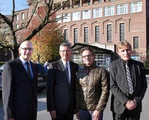 Die künftigen Partner (von links): Prof. Gunter Lauven (Kosmas und Damian GmbH), Generalvikar Dr. Hans-Werner Thönnes sowie Dr. Francesco De Meo und Hans Walter Singer von der Helios Kliniken GmbH. RP-Foto: Ralf Hohl