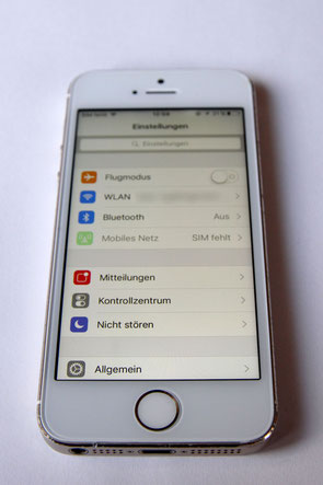 Repariertes iPhone 5s mit GIGA Fixxoo Display