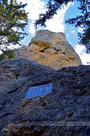 Première voie d'escalade ouverte par Michel Paquier Monolithe de Sardières savoie maurienne