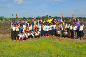 Children planted many trees on the Day of Biological Diversity (May 22nd)
