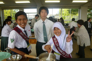 Making ice cream with High School students in Gifu Prefecture.
