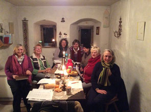Die LiteraTürmerinnen in ihrer Schreibstube im hohen Frauenturm. Foto: Angelika Kunz