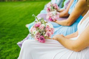 Begleitung des Brautpaares: Brautjungfern und Groomsmen