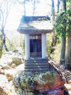 武蔵御嶽神社・奥宮修理整備基金          (奥宮は山中にある小祠です)