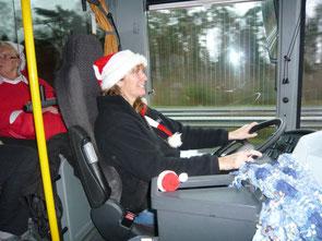 Unsere Weihnachtsfrau ist eine Busfaherin.